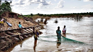 Malawi flooding...epa04572326 A picture made available on 21 Jan